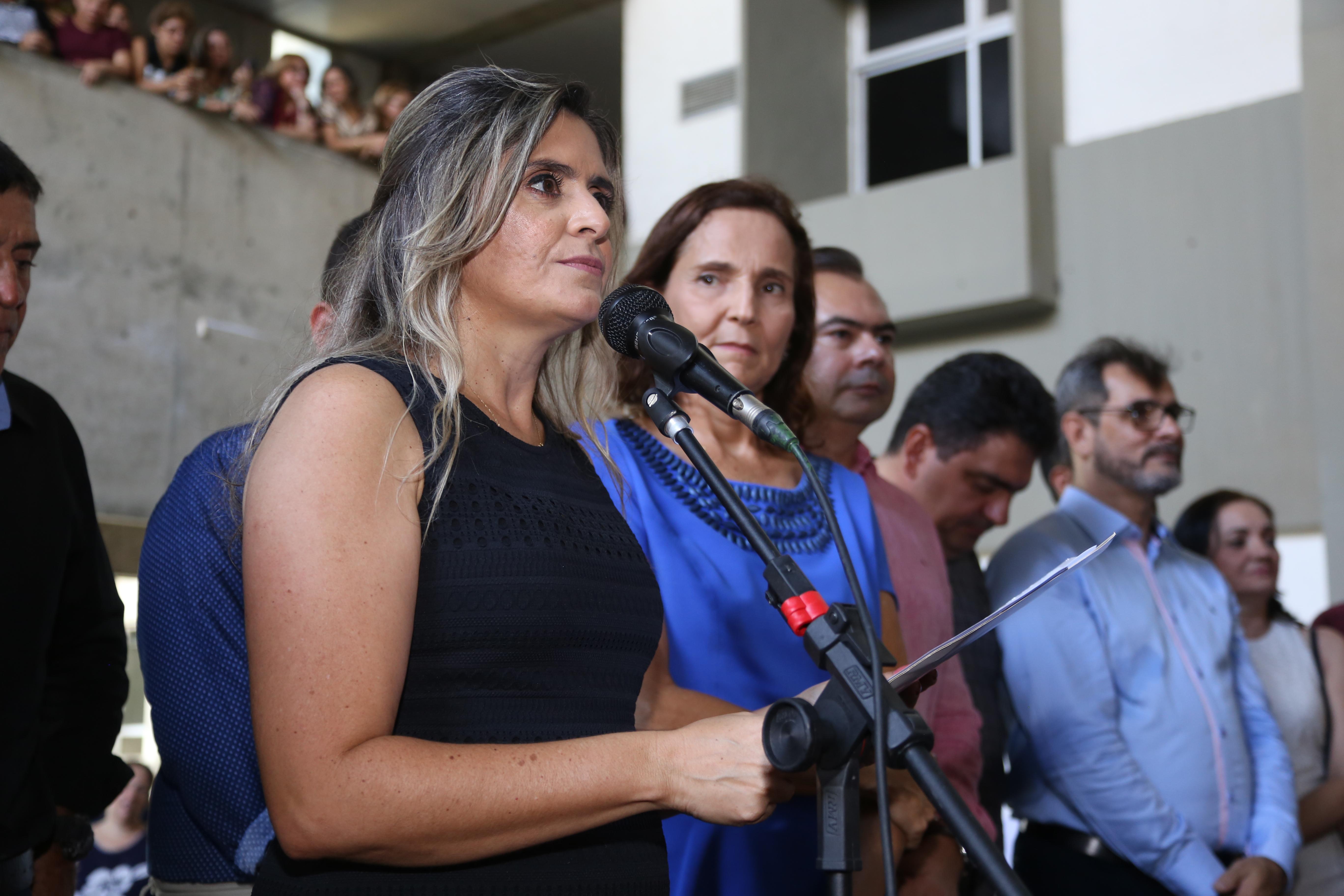 Eliana Estrela assume gestão da Secretaria da Educação