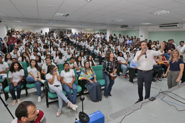 Governador dá início ao ano letivo com a entrega da 120ª escola profissional, em Caririaçu