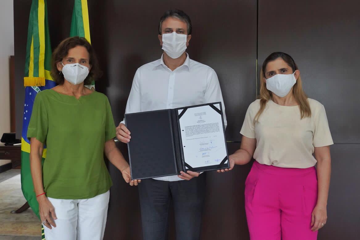 Governo do Ceará nomeia 1.250 professores aprovados no último concurso da Seduc